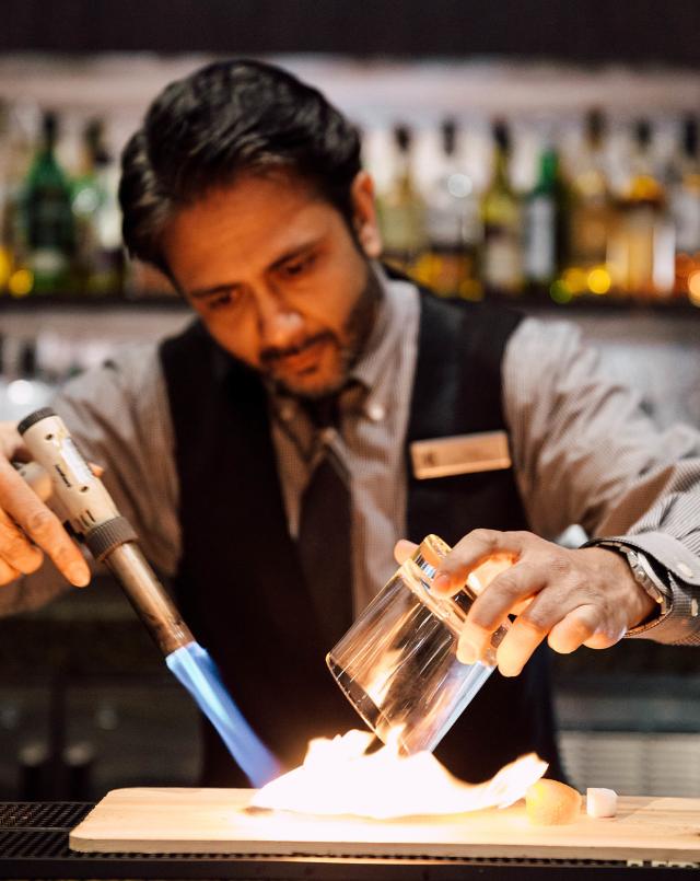 teller's bar smoked old fashion